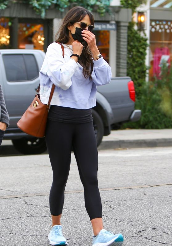 Jordana Brewster in Leggings - Brentwood 03/03/2021