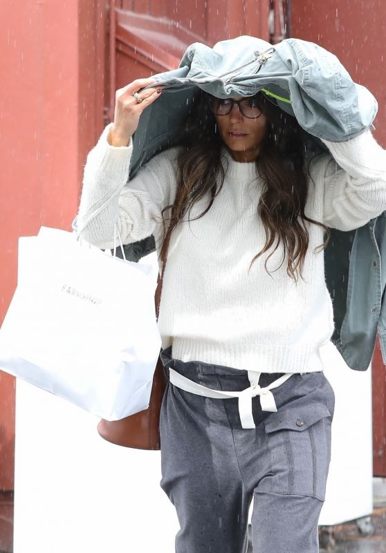 Jordana Brewster - Out in Brentwood 03/10/2021
