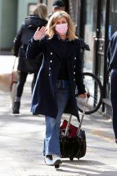 Kate Garraway - Arriving at the Global Radio Studios in London 03/11/2021