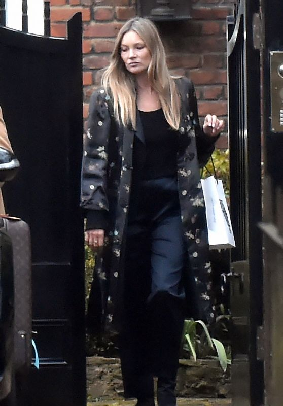 Kate Moss - Out in North London 03/18/2021