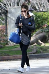 Katherine Schwarzenegger With Her Sister Christina in Los Angeles 03/08/2021