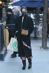 Katie Holmes in Warm and Stylish Ensemble - Shopping in New York 03/05/2021
