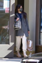 Katie Holmes Street Style - Shopping in NYC 03/15/2021
