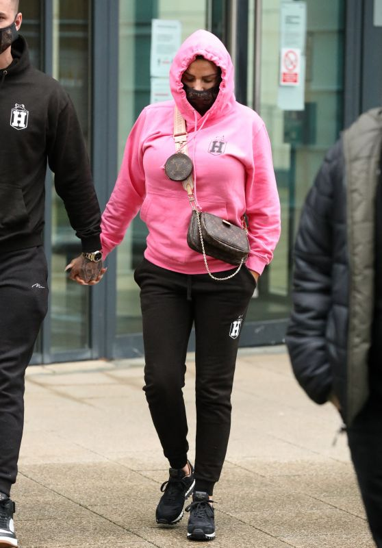 Katie Price - Out in Leeds Dock 03/10/2021