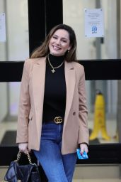 Kelly Brook in a Smart Blazer and Blue Jeans 03/03/2021