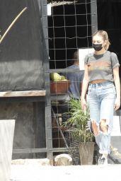 Kelsea Ballerini in Ripped Jeans - Tulum 03/04/2021