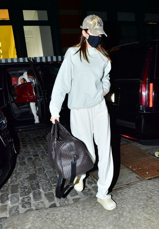 Kendall Jenner in Travel Outfit - Arriving in NYC 03/20/2021