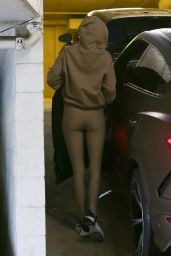 Kendall Jenner - Leaving a Gym in Beverly Hills 03/03/2021