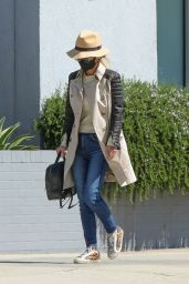 Laeticia Hallyday Street Style - Shopping in Beverly Hills 03/12/2021