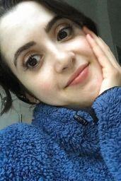 Laura Marano 03/31/2021