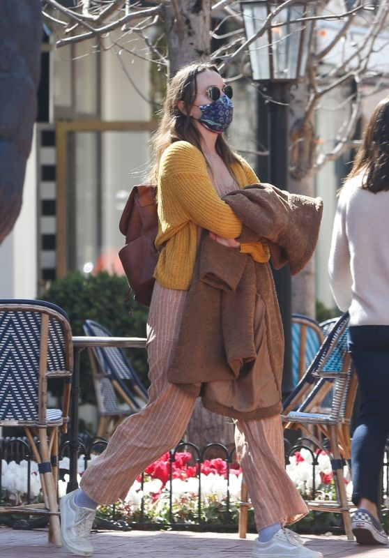 Leighton Meester - Shopping in Pacific Palisades 03/19/2021