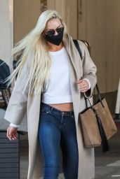 Lindsey Vonn in Travel Outfit - Los Angeles 03/29/2021