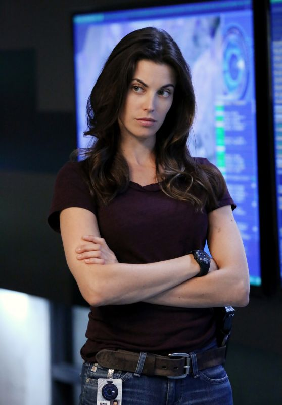 "Meghan Ory - ""Intelligence"" Season 1 Promoshoot"