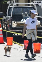 Minka Kelly - Goes For a Hike on Mulholland Drive 03/22/2021