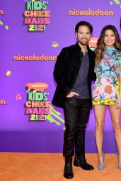 Miranda Cosgrove – 2021 Nickelodeon Kid's Choice Awards