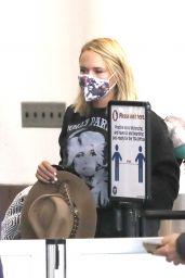 Miranda Lambert - Out in Los Angeles 03/15/2021