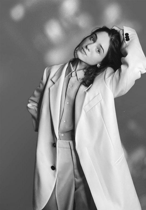 Natalia Dyer - AMI FW21 Paris Collection 2021