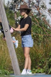 Natalie Portman -Out in Sydney 03/28/2021
