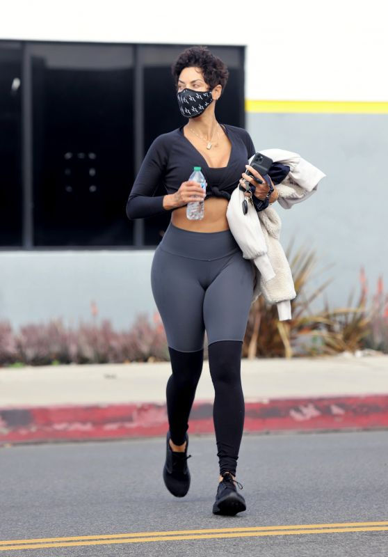 Nicole Murphy in Workout Outfit - Los Angeles 03/18/2021