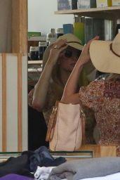 Paris Hilton - Shopping in Malibu 03/06/2021