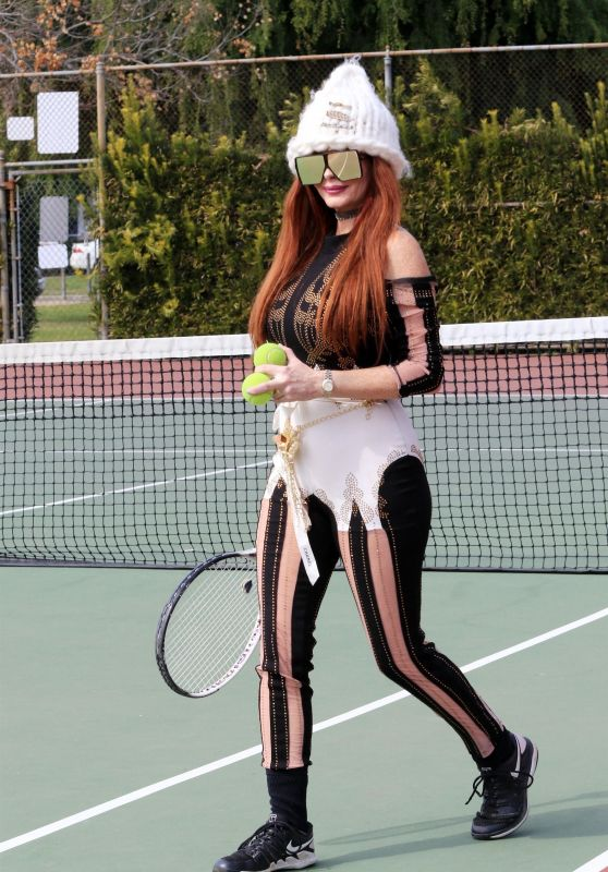 Phoebe Price at the Tennis Courts and Wells Fargo ATM in LA 03/19/2021