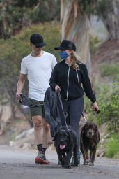 Reese Witherspoon - Out in Santa Monica 03/14/2021