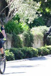 Robin Wright - Bike Ride in Brentwood 03/21/2021