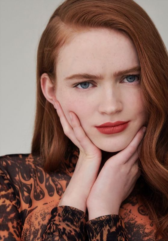 """Sadie Sink - """"Givenchy Beauty"""" Le Rouge Deep Velvet N°37 (2021) (more photos)"""