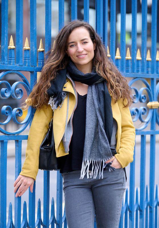 Samantha Schnitzler Street Style - London 03/19/2021