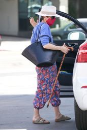 Selma Blair at a Gas Station in LA 03/26/2021