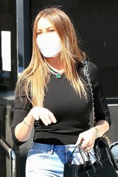Sofia Vergara in Tight Jeans - Shopping in Beverly Hills 03/19/2021