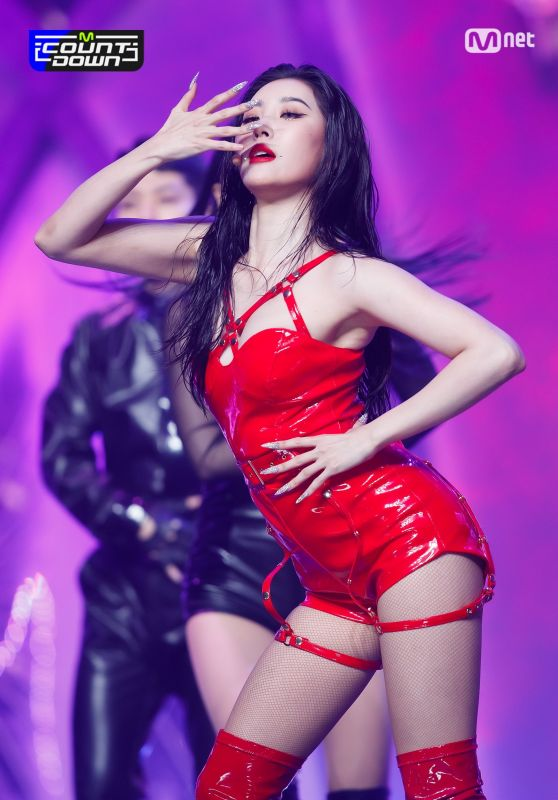 """Sunmi - Performing """"TAIL"""" at M Countdown Stage 02/25/2021"""