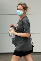 Tess Struber at Cairns Airport 03/02/2021