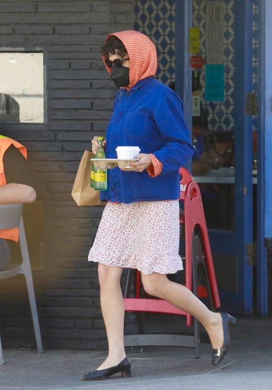 Alia Shawkat - Out in Los Feliz 04/02/2021