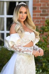 """Amber Turner - """"The Only Way is Essex"""" TV Show Filming in Essex 04/18/2021"""