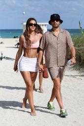 Amelia Hamlin – Beach in Miami 04/04/2021