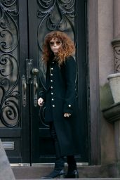 "Annie Murphy, Chloë Sevigny and Natasha Lyonne - ""Russian Doll"" Season 2 Filming in New York 04/19/2021"