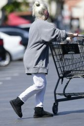 Ariel Winter - Grocery Shopping in LA 04/03/2021