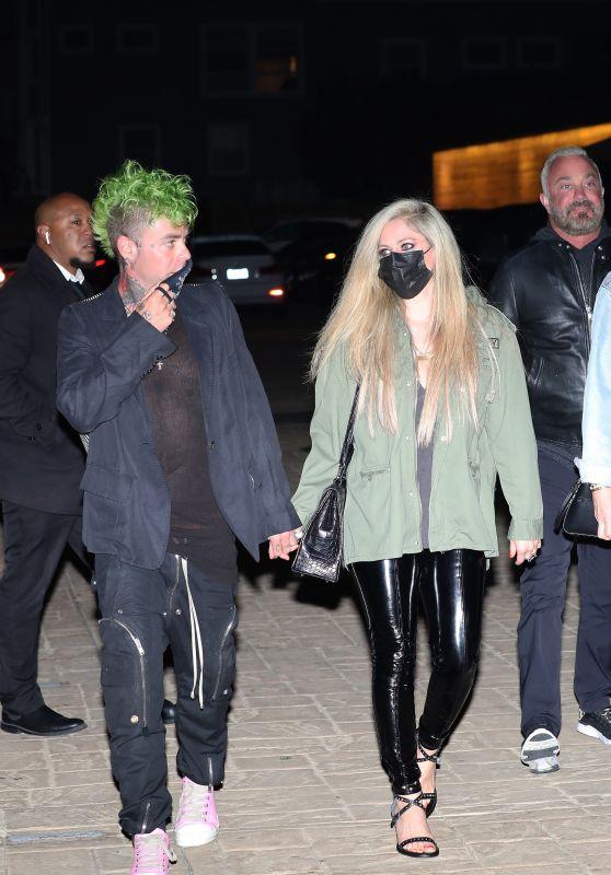 Avril Lavigne - Out in Malibu 04/09/2021