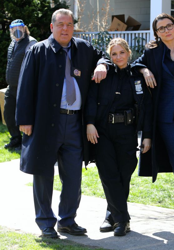 "Bridget Moynahan and Vanessa Ray - ""Blue Bloods"" Set in Brooklyn 04/06/2021"