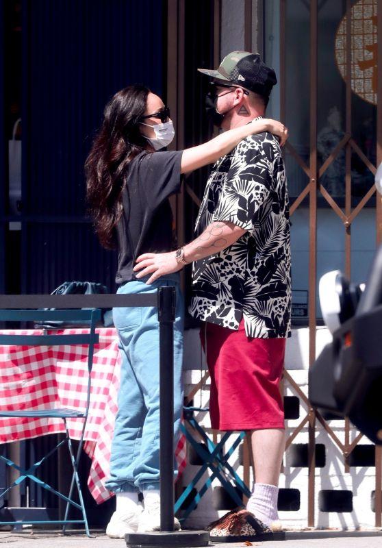 Cara Santana and Shannon Leto - Los Angeles 04/10/2021