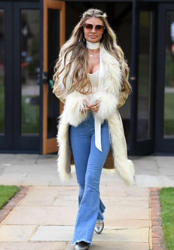 "Chloe Sims – ""The Only Way is Essex TV Show Filming in Essex 03/28/2021"