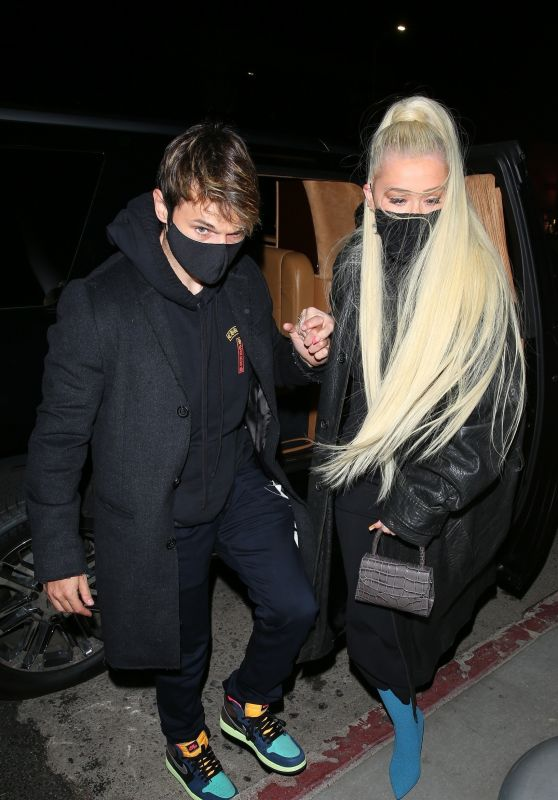 Christina Aguilera at the Nice Guy in West Hollywood 04/05/2021