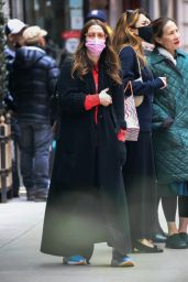 Drew Barrymore - Out in NYC 04/18/2021
