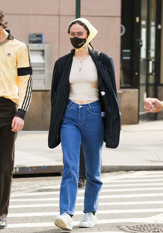 Ella Emhoff - Out in New York 04/25/2021