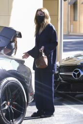 Ellen Pompeo - Shopping in Beverly Hills 04/09/2021
