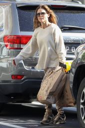 Elsa Pataky in Leopard-Print Pants at Bondi Junction in Sydney 04/22/2021