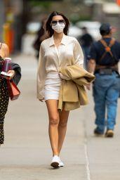 Emily Ratajkowski Street Style - New York 04/14/2021