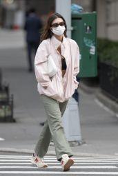 Emily Ratajkowski Street Style - NYC 04/09/2021