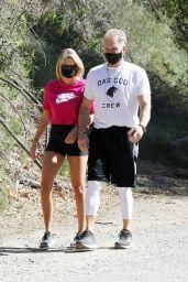 Emma Krokdal - Hiking in Los Angeles 04/18/2021